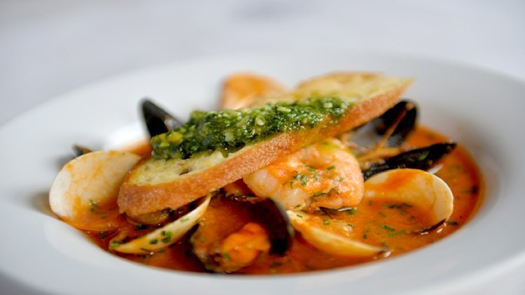 Mixing Seafood and Pasta – The Italians Show How It's Done