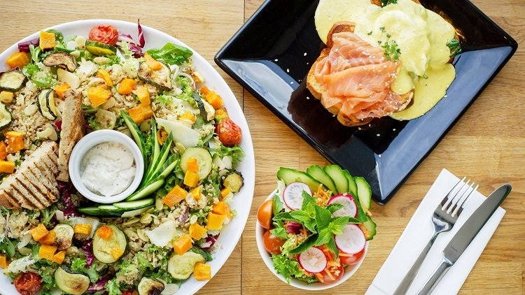 Salad Bowls and Poké: How to Get Healthy in Singapore